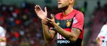 Cruzeiro faz oferta pelo atacante Guilherme, mas enfrenta concorrência do Vasco; saiba detalhes das negociações