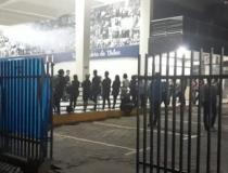 Corpo do estudante que morreu no acidente do ônibus que tombou na BR-259 é velado em Governador Valadares (MG)