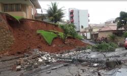 Chuvas causam desabamentos, inundações e acidentes de trânsito
