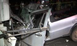Motorista morre após colisão entre carro e caminhão na BR-116 em Santa Rita de Minas