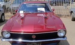 Exposição de mais de cem carros antigos é atração no Centro de Piedade de Caratinga