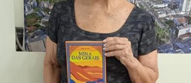 Caratinguense lança livro e renda será destinada para instituição de câncer
