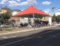 Tenda é armada no centro de Caratinga para arrecadar alimentos