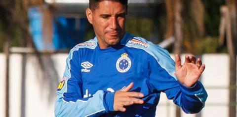 Cruzeiro desmente Thiago Neves, diz que 'jamais' pediu para meia atuar contra o Palmeiras e revela ausência em tratamento