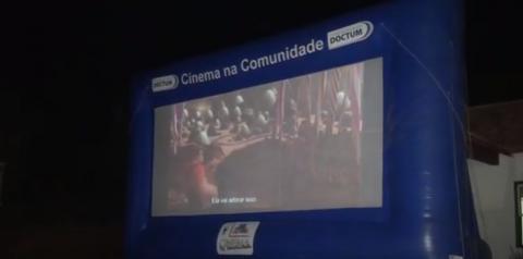 Cine drive-in é realizado no portal dos reis, em santa rita de minas