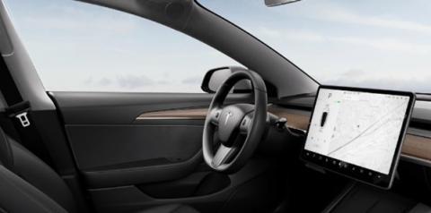 Tesla lança formato de assinatura mensal para piloto automático