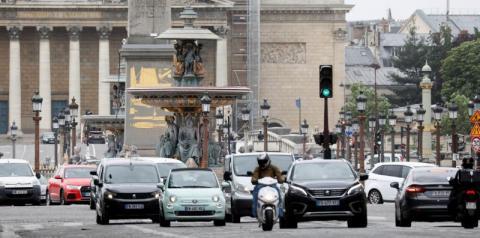 Paris limita velocidade de carros a 30 km/h