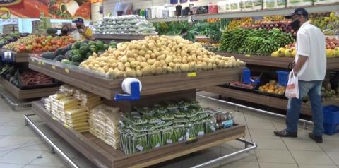 Consumo das famílias em supermercados cresce quase 5% em julho