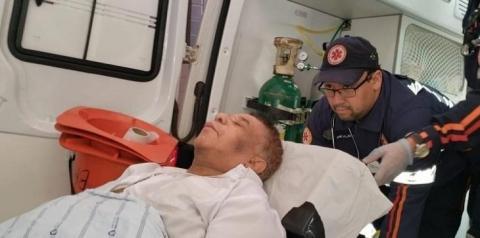 Agnaldo Timóteo está isolado em hospital, intubado e estado é crítico