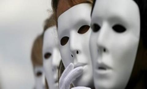 A Persona e a Sombra nas instituições de trabalho.