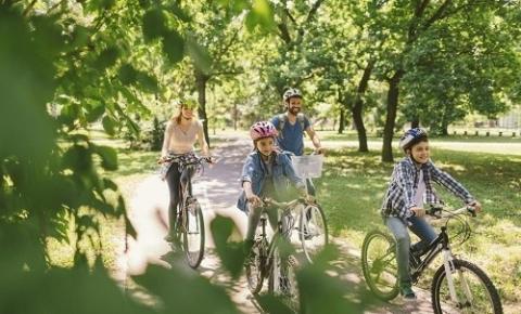 As férias e a vivência de habilidades essenciais ao desenvolvimento saudável.