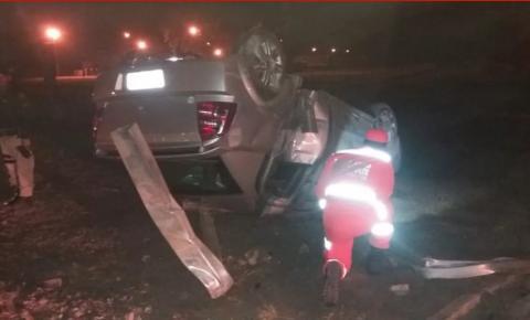 Motorista morre após capotar carro na BR-381, em Belo Oriente