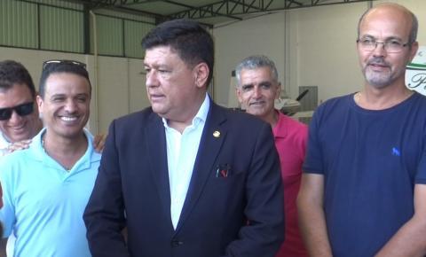 Senador Carlos Viana passa por Caratinga e se reúne com lideranças políticas da região