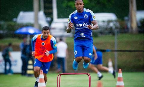 Cruzeiro enfrenta lanterna Avaí e busca vitória para dar salto na tabela do Brasileiro
