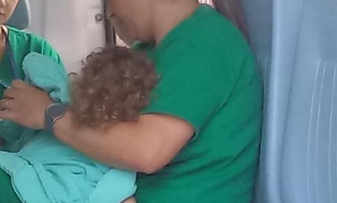 Criança picada por escorpião é transferida de helicóptero para Belo Horizonte