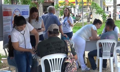 Núcleo realiza feira de saúde no centro de Caratinga