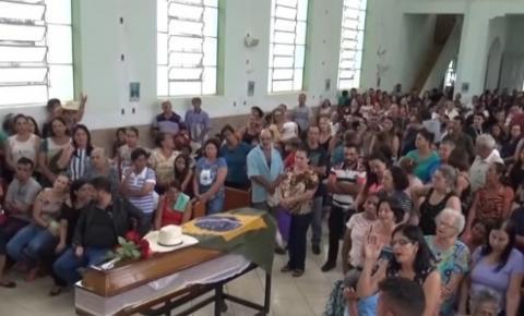 Ex-vereador de Caratinga, João Angola, é sepultado em Sapucaia
