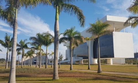 Governo de Minas garante pagamento do 13º e fim do parcelamento de salários