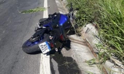 Caratinguense morre ao perder controle de motocicleta na BR-116, em Tarumirim
