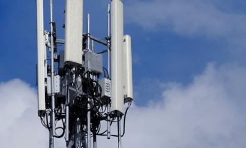 Homem pega 3 anos de prisão por incendiar torre de 5G no Reino Unido