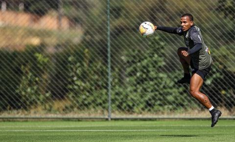 Sampaoli quer explorar velocidade de Otero e variar lances de gol do meia