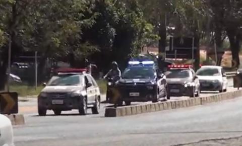 Polícia prende grupo acusado de envolvimento em tráfico de drogas e de executar dois jovens e queimar corpos