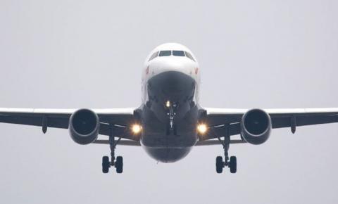 Quais são as chances de pegar covid-19 em uma viagem de avião?
