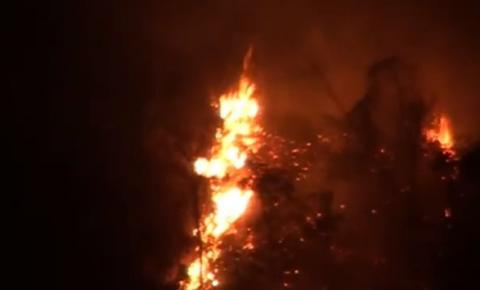 Grande incêndio é registrado próximo ao aeroporto
