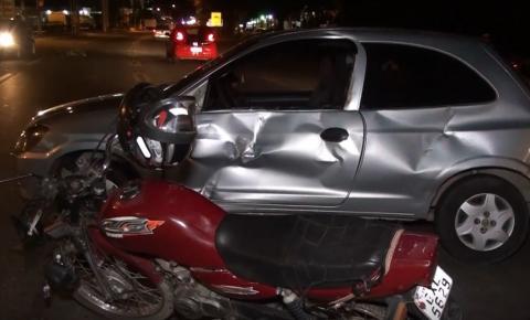 Bombeiros socorrem motociclista ferido em acidente no Bairro das Graças em Caratinga