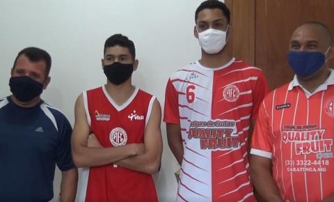 Dois jovens de Caratinga são contratados por equipes profissionais de voleibol