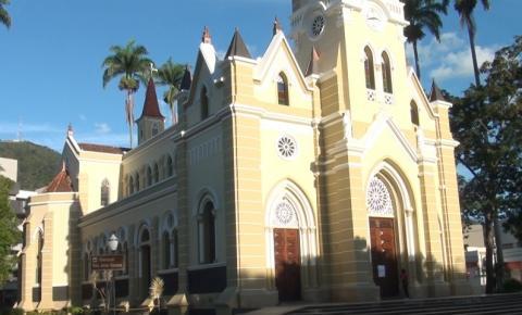 Atividades presenciais da Semana Santa são canceladas até 31 de março em paróquias de Caratinga