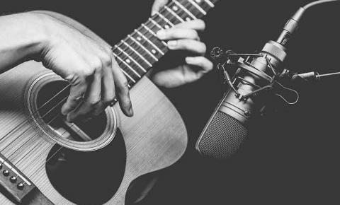 Música Carinhoso é a mais regravada no país, revela Ecad