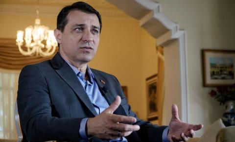 Tribunal Especial julga impeachment do governador de Santa Catarina