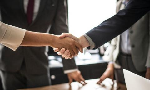 PL propõe que empresas paguem anualmente a indenização de representantes comerciais