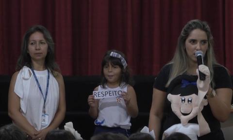 """""""Dia da Paz"""" promove reflexão sobre combate ao bullying na Escola Professor Jairo Grossi"""
