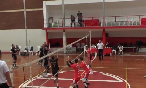 Jogos da 1ª copa América despertam interesse do torcedor de voleibol em Caratinga.