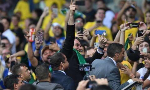 Em carta à Conmebol, AFA critica arbitragem e presença de Bolsonaro no Mineirão