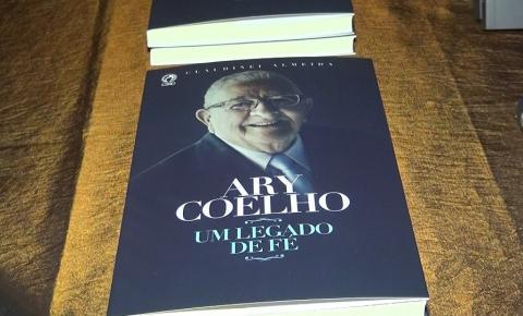 Assembleia de Deus em Caratinga comemora 90 anos de Pastor Ary e lança livro com sua biografia