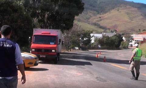 SEST Senat e polícia militar rodoviária promovem blitz educativa em homenagem ao motorista