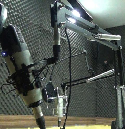 Rádio Caratinga convoca mulheres interessadas em fazer testes de locução