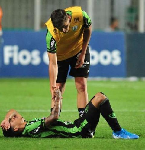 Jogadores do América lamentam derrota no Independência para São Bento: 'Dor no coração'