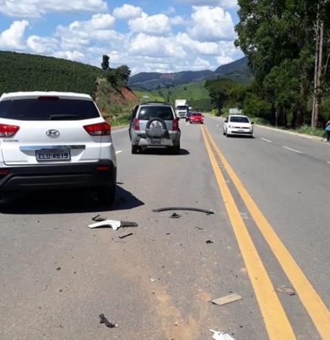 Dois acidentes são registrados em menos de uma hora na BR-116 na região de Caratinga