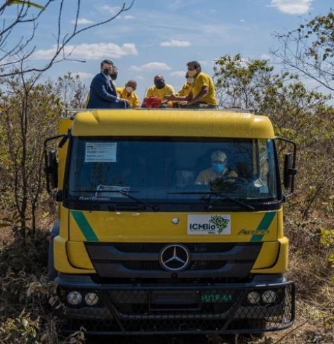 Governo federal adquire caminhões de bombeiros para combater incêndios florestais