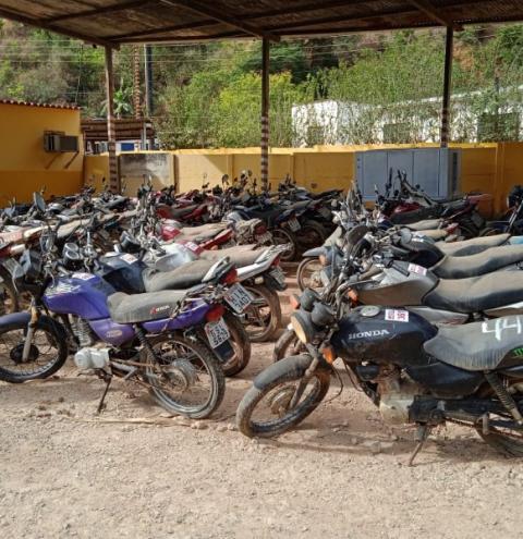 Quase 500 veículos serão leiloados pela Polícia Civil nos dias 20 e 21 de setembro em Caratinga