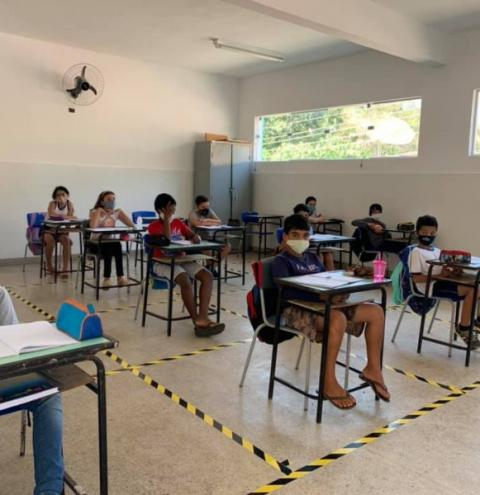 Aulas presenciais na rede municipal de Entre Folhas são retomadas com segurança e tranquilidade